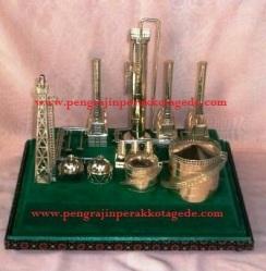 Replika, maket, miniatur, souvenir pensiun, pengrajin perak, kerajinan perak, silver handycraft, toko perak, souvenir pertambangan, miniatur pertambangan, miniatur pertamina, miniatur pengeboran minyak